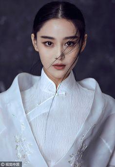 Actress Zhang Xinyu shoots for fashion photos   China Entertainment News