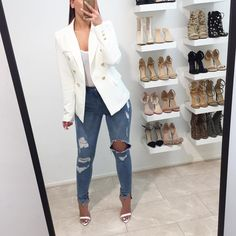 Blazer jacket @fashiondrug Check out our website and get 10% off EVERYTHING this weekend! Use discount code 'Easter' www.fashiondrug.com (shopping link in my bio)