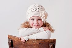 Crochet Pattern for Taryn Hat with interchangeable flowers - 5 sizes, baby to adult - Welcome to sell finished items - pinned by pin4etsy.com