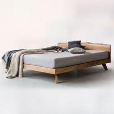 NUTSANDWOODS Oak Bed (verschiedene Größen)