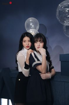 """Gfriend-Sowon & Yerin """"Time for the moon night"""" Behind Kpop Girl Groups, Korean Girl Groups, Kpop Girls, Extended Play, Girl Group Pictures, Gfriend Album, Choi Siwon, Gfriend Sowon, Wattpad"""