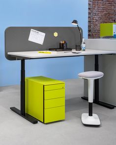 to-swift is perfect for concentrated individual work - or for creative brainstorming with colleagues. Coworking Space, Be Perfect, Swift, Easy, Colours, Creative, Design, Style, Modern Office Spaces