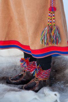 Sápmi-Laplander Reindeer skin boots