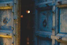 Stasera le porte del santuario si aprono per l\'ultima profezia del 2017.  Tutto finisce e ricomincia in un nuovo mondo. 〰️ The Sanctuary Eco Retreat  Via delle Terme di Traiano 4a - Roma, Italia Prenotazioni: info@thesanctuary... / +39 392 604 5465 / 06 83528388 / +39 348 092 8729 #thesanctuaryecoretreat #voodoobar #rangloo, #bar, #accessories