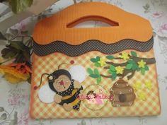 Bolsa Foam Crafts, Diy And Crafts, Crafts For Kids, Kids Purse, Decorate Notebook, Kids Boxing, Pre School, Preschool Activities, Mini Albums