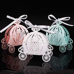 Cheap box box, Buy Quality gift gifts directly from China box candy Suppliers: 2018 Laser cut pumpkin carriage Wedding Candy favor box,pearl color paper candy box,baby shower birthday gift Candy Wedding Favors, Candy Favors, Wedding Favor Boxes, Wedding Ideas, Party Favours, Wedding Stuff, Cinderella Cupcakes, Cinderella Party, Wedding Carriage