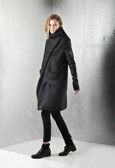 Il marchio di abbigliamento Malloni è sinonimo di stile, sartoria e design. Grunge Fashion, Urban Fashion, Comfortable Outfits, Casual Outfits, Lovely Dresses, Fashion Stylist, Fashion Addict, Minimalist Fashion, Everyday Fashion