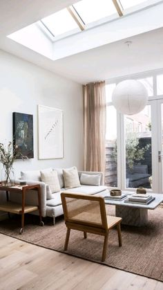 Home Living Room, Apartment Living, Interior Design Living Room, Living Room Designs, Living Room Decor, Living Spaces, Bedroom Decor, Living Room Lounge Chair, Living Room White