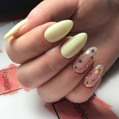 130 cute spring nail art designs to spruce up your next mani page 30 - nails - Cute Spring Nails, Spring Nail Art, Cute Nails, Pretty Nails, Summer Nails, Solid Color Nails, Nail Colors, Star Nail Art, Yellow Nail Art