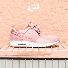 Dayum, ladies! This Nike Air Max Zero is a must have. @ kickz.com