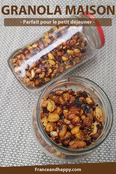 Granola maison parfait pour le petit déjeuner ! Prêt en 5-10 minutes à la poêle avec cacahuètes et flocons d'avoine + miel : un délice !