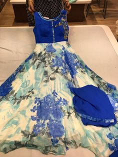 Elegant Fashion Wear Explore the trendy fashion wear by different stores from India Pakistani Dress Design, Pakistani Dresses, Indian Dresses, Indian Outfits, Pakistani Suits, Emo Outfits, Punjabi Suits, Designer Salwar Suits, Designer Dresses