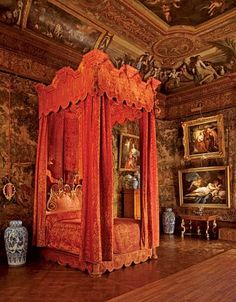 Chatsworth: the whole bedroom walls covered with tapestries