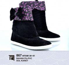 Jual Sepatu Boots Tinggi Wanita Murah warna hitam Online