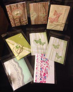 Karten basteln!!!!! Wie ich dieses Hobby liebe... Einfach den Abend mit basteln ausklingen lassen... @jenni1931991 du kannst vorbei kommen.. Der Großteil ist durch... #basteln #lieblingshobby #loveitso #owl #eule #schmetterlinge #butterfly #sizzix #stampinup