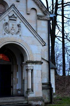neoklasycystyczna kaplica w Kościelnikach Górnych z przełomu XIX i XX w., geocaching