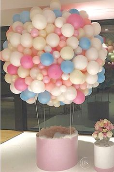 Amazing Baby Shower Decorations on a Budget – Hot Air Balloons – Baby Shower Ideas for Girls – Grandcrafter – DIY Christmas Ideas ♥ Homes Decoration Ideas Baby Shower Balloons, Birthday Balloons, Baby Shower Parties, Baby Shower Themes, Baby Shower Decorations, Shower Ideas, Balloon Garland, Balloon Decorations, Birthday Decorations