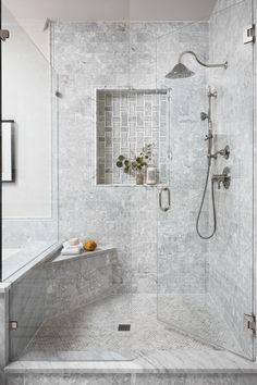13 Best Bathrooms by Joanna Gaines - Nikki's Plate Joanna Gaines, Jo Gaines, Chip Gaines, Master Bath Shower, Steam Showers Bathroom, Small Bathroom, Bathroom Ideas, Shower Bathroom, Bathroom Organization