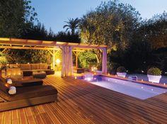 #petite #piscine #soir #lumiere #spot #ete #terrasse Photo : Piscinelle