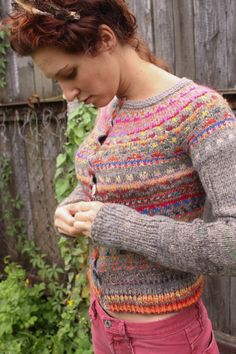 Handmade Icelandic style cardigan from Tasssha  Every piece in this store makes me want to move to Latvia. So pretty.