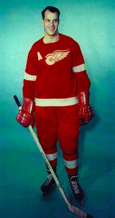 Hockey Games, Hockey Players, Ice Hockey, Red Wings Hockey, Number 9, Detroit Red Wings, Athletes, Ol, 1930s