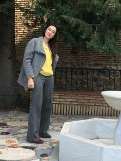 Lara para Diario de estilo con estilismo mostaza y gris de chica trabajadora fashion blog, outfit, winter
