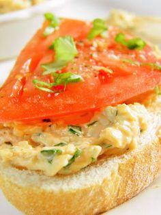 Serowa pasta ziołowa (do kanapek) Salmon Burgers, Thai Red Curry, Sandwiches, Yummy Food, Cooking, Breakfast, Ethnic Recipes, Fitness, Diet