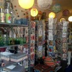 Sjakies Haarlem #tip #haarlem #shoppen #winkelen Carpet, Presents, Retro, Wallpaper, Painting, Spaces, Design, Gifts, Painting Art