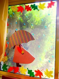 Autumn on the window, with his hands with children, paper crafts Autumn Crafts, Autumn Art, Autumn Theme, Spring Crafts, Fall Classroom Decorations, Class Decoration, School Decorations, Diy And Crafts, Crafts For Kids