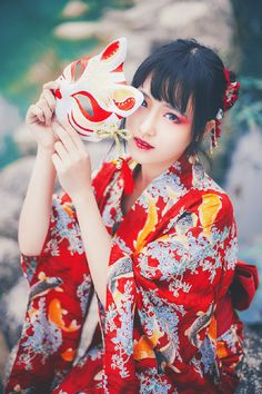 喵小天meow的照片 - 微相册 Yukata, Japanese Girl, Places To Visit, Kimono, Charmed, Cosplay, Street Style, Costumes, Traditional
