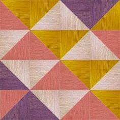 Gimmick Design. Tafelblad bijzettafeltje. Heel decoratief en ook betaalbaar! Door systeem met losse driehoeken is het patroon te variëren. Meer info op: www.gimmickdesign.nl