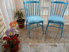 móveis antigos pintados de azul