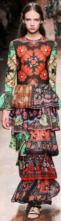 Valentino – Spring 2015 – High Fashion / Ethnic & Oriental / Carpet & Kilim & Tiles & Prints & Embroidery Inspiration /