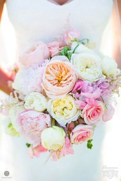 Renaissance Floral Design   Tracey Buyce http://albanybridalnews.com/albany-wedding-services/wedding-floral-decor-rentals/renaissance-floral-design/ #wedding #albanybridalnews