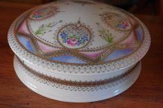 Image - bonbonnière selon méthode classique. dentelle or mat - L'art de la peinture sur Porcelaine - Skyrock.com