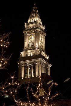 Christmas in Boston, Customs House tower & Quincy Market