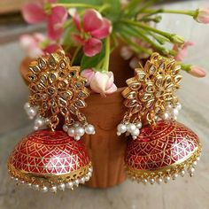 Indian Jewelry Earrings, Indian Jewelry Sets, Jewelry Design Earrings, Gold Earrings Designs, Indian Wedding Jewelry, Ear Jewelry, Designer Earrings, Ethnic Jewelry, Antique Jewellery Designs