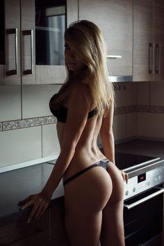 Unidos venceremos... — letswatchgirls:   Kitchen Stories x  Tomash Masojc