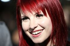I used to want my hair to be this exact color. Scratch that. I just used to want to be Hayley Williams. I love her so much.