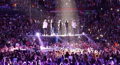 i was crying so hard rn at the nc concert Take Me Home, Take My, One Direction Live, Stadium Tour, Kiss You, Story Of My Life, Harry Styles, Britain, Cute Pictures