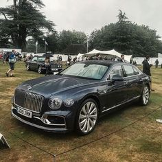 Brand new Bentley FlyingSpur 2020 by: by cars New Sports Cars, Super Sport Cars, Bentley Continental Gt Convertible, Black Porsche, Porsche 911, Bentley Arnage, Bentley Flying Spur, Bentley Motors, Bentley Mulsanne
