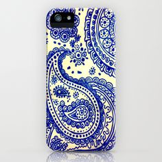 This is another doodle-looking case that I love. I really like the blue color choice because it almost makes me feel like someone was just doodling with a blue pen. The design is so decorative and intricate and I would love to create something like this.