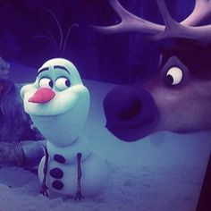 "Olaf: ""Stop staring at my nose, Sven."" Olaf and Sven ""Frozen"" Walt Disney, Frozen Disney, Disney Nerd, Disney Love, Disney Magic, Sven Frozen, Frozen 2013, Disney And Dreamworks, Disney Pixar"