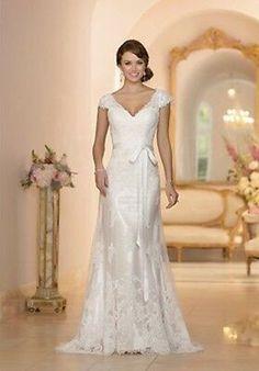 Lace Wedding Dress With Sleeves, V Neck Wedding Dress, Stunning Wedding Dresses, Lace Mermaid Wedding Dress, Wedding Dresses With Straps, Mermaid Dresses, Elegant Dresses, Bridesmaid Dresses, Elegant Clothing