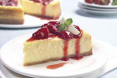 Cheesecake de chocolate blanco y frutillas        Para leer su receta, hacé click en la imagen.  #Receta #Aguila
