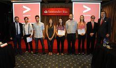 Banco Santander entregó los galardones de la 10º edición del Premio Jóvenes Emprendedores (23/12/14) http://bsan.es/1t6GAeW
