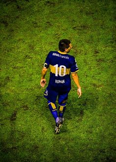 #Roman #Riquelme E Sport, Football Is Life, Thug Life, Football Jerseys, Roman, Athlete, Blues, Wall Street, Beckham