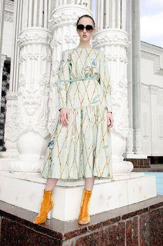 https://www.vogue.com/fashion-shows/resort-2018/alena-akhmadullina/slideshow/collection
