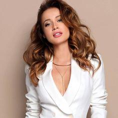 "Fotka Kristíny v podprde rozvášnila fanúšikov: ""Chcem ju mať doma v posteli! Clothes Horse, Sexy Women, Bodysuit, Singer, V Neck, Actors, Blazer, Celebrities, Womens Fashion"