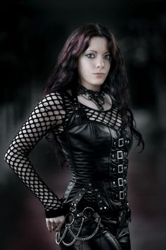 Gothic fashion 623537510890383490 - Cool gothic metal Source by Hot Goth Girls, Gothic Girls, Gothic Lolita, Gothic Metal, Victorian Gothic, Goth Beauty, Dark Beauty, Dark Fashion, Gothic Fashion